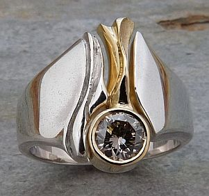 143RYG Ring in Sterling Silver and 18ct Yellow Gold Brill champagner deep carved sculptured