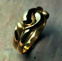 104RGYY Ring in18ct Yellow Gold YinYang Design single matching ring set of the same design