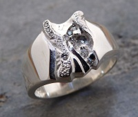 143RS Ring wide deep carved sculptured Sterling Silver 8g10 Brilliants