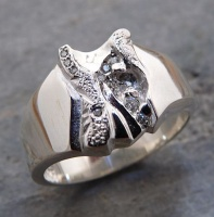 143RS Ring wide deep carved sculptured in Sterling Silver 8g 10 Brilliants