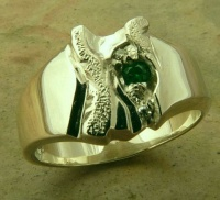 143RS Ring wide deep carved sculptured in Sterling Silver 8g Emerald 3 Diamonds
