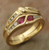146RGR6BfE Ring Trio in 18ct Yellow Gold Ruby ring as engagement Ring, fitted Wedding Ring with large centre Diamond and Eternity ring with channel set Diamonds in Brilliant cut