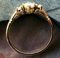 18ct Yellow Gold Filigree Ring with 3 Brilliants claw set