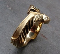Ring Egyptian Design in 18ct Yellow Gold featuring a 0.3ct Diamond in Brilliant cut resembling a Lotus Flower, Wings and a sundial side view wing
