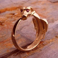 Ouroboros Ring Rose Gold facetted ruby eye