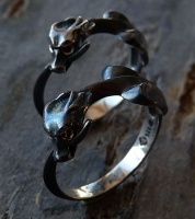 Ouroboros Rings Sterling Silver black facetted garnet eyes