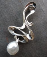 498PS Pendant Art Nouveau Style in Sterling Silver featuring a South Sea White Pearl unpolished
