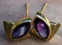68EMFGA Ear stud pair in Yellow Gold Fan Design with Marquise cut Amethyst