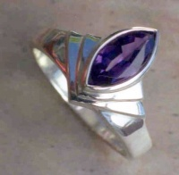 69rmfsa_ring_ag_fanoct2001_marquise_amethyst1cropped_1151524795