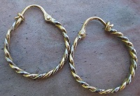 70EYWG Earring creole twisted Yellow Gold White Gold